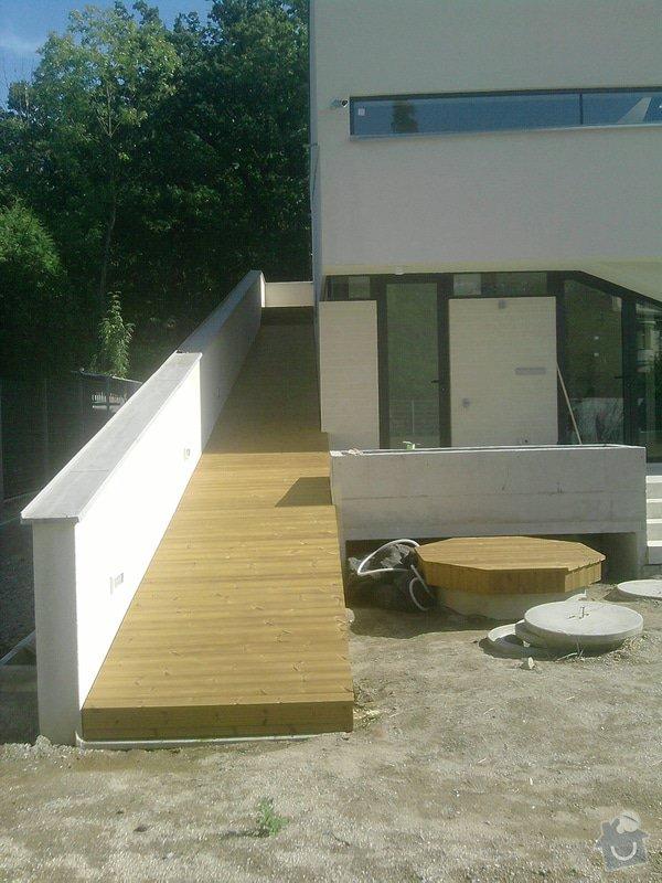 Montáž dřevěné terasy: P140913_14.23__02_