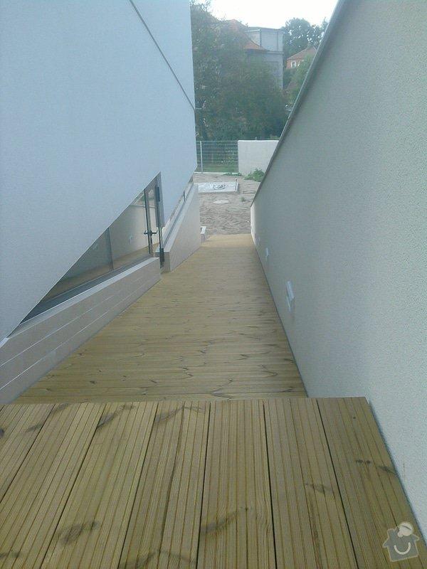 Montáž dřevěné terasy: P140913_14.58