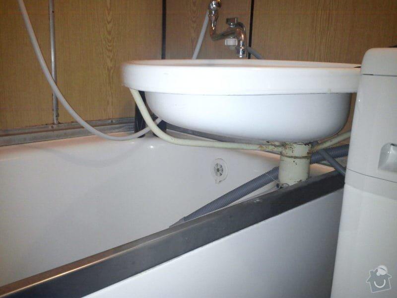 Výměna lišt a těsnění u vany: DSC00859