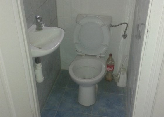 Nový obklad 7m2 - záchod