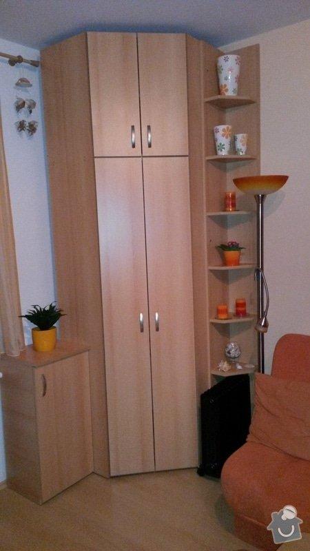 Schodiště a zábradlí v rodinném domě + skříň: rohova-skrin-na-miru_1