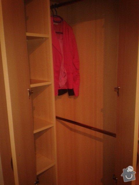 Schodiště a zábradlí v rodinném domě + skříň: rohova-skrin-na-miru_3