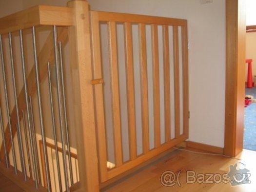 Dětská zábrana na schodiště/vrátka: zabrana_na_schodiste...