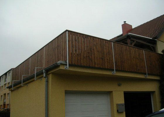 Zábradlí + pergola na střeše garáže