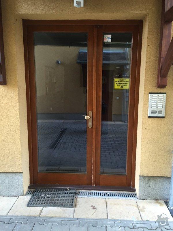 Vchodové dveře do domu: image1