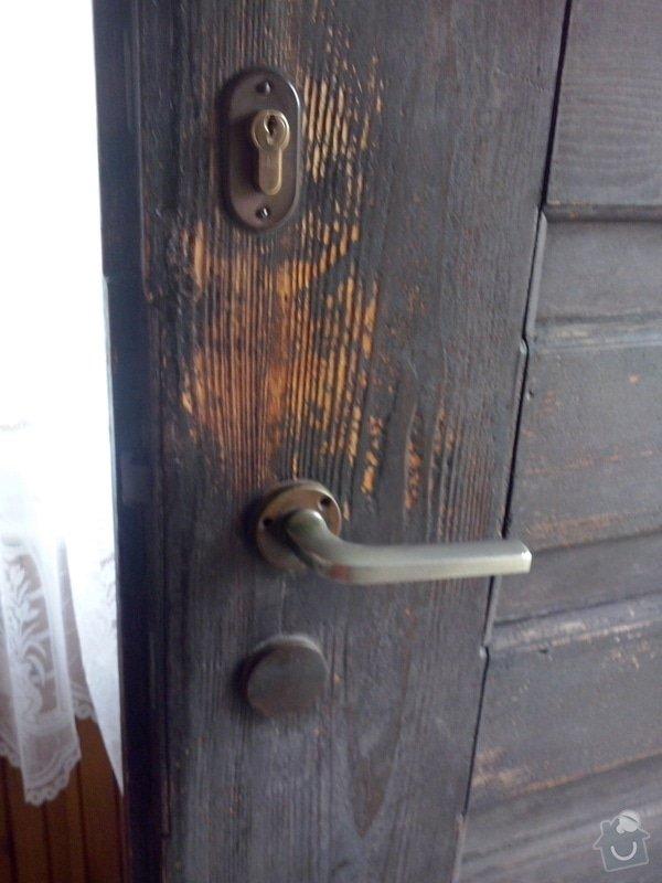 Repas dřevěných vchodových dveří: CAM00049