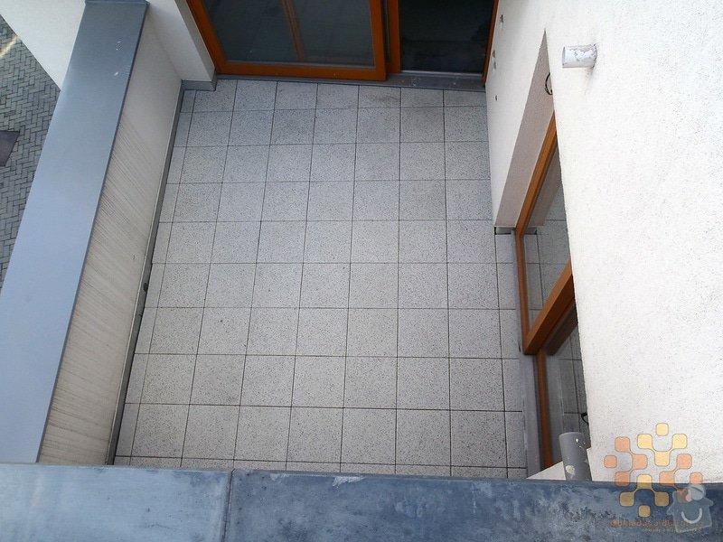 Dodávka a pokládka terasové dlažby: P3060028