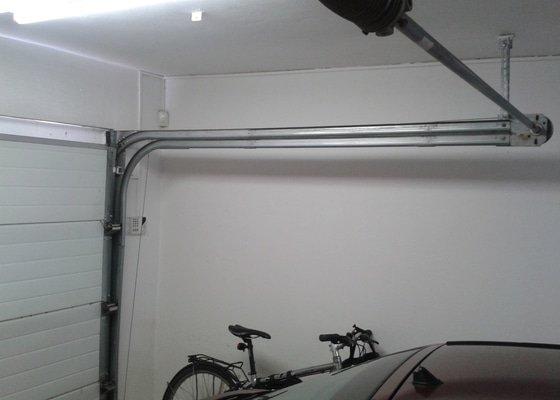 Sekční garážová vrata - dodávka a instalace elektického pohonu na stávající gar. vrata