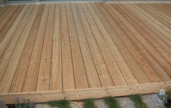 Venkovní dřevěná terasa: terasa