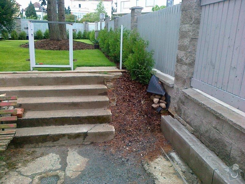 Rekonstrukce parkovacího stání, nový chodník: 09072014677