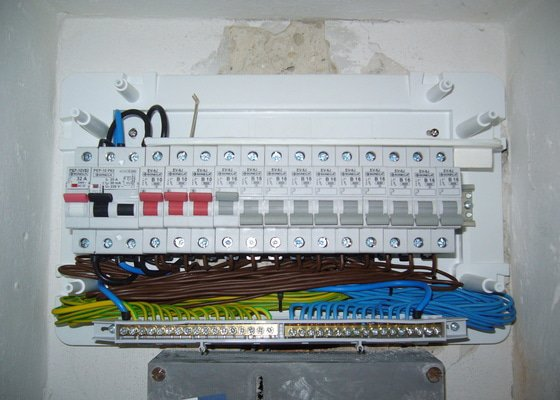 Elektrikář