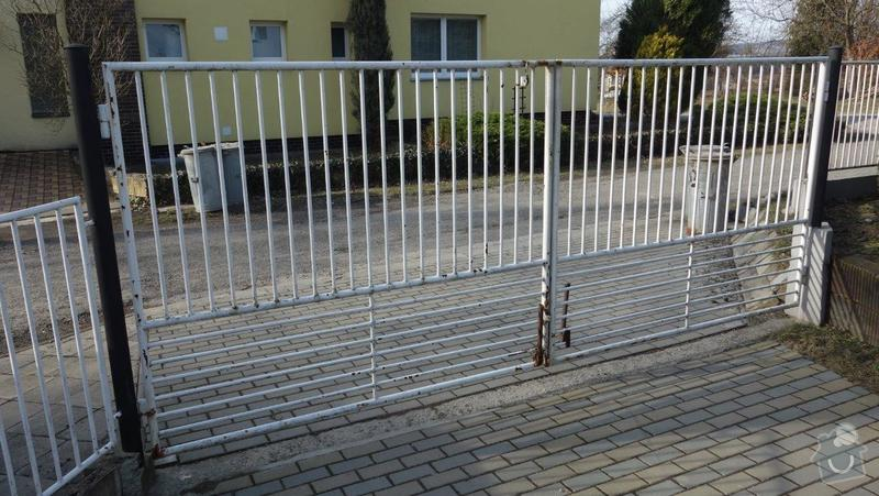 Nátěr kovového plotu: DSC01729