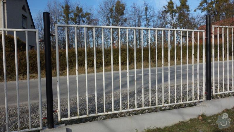 Nátěr kovového plotu: DSC01731