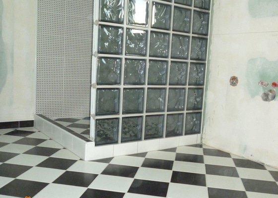 Oblozita polozit dlazbu koupelna zachod plus postavit stenu y luxferu