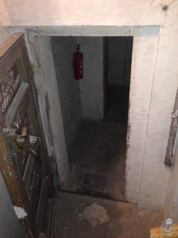 Mříž ke vstupu do sklepních prostor: IMG_1556