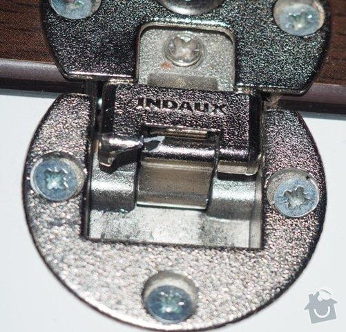 Výměna kování u dveří skříně: P3060077
