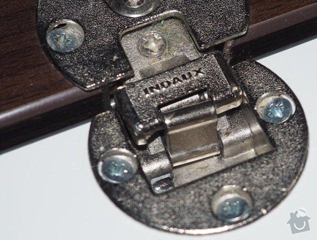 Výměna kování u dveří skříně: P3060079