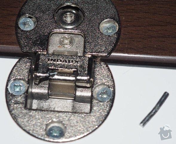 Výměna kování u dveří skříně: P3060078