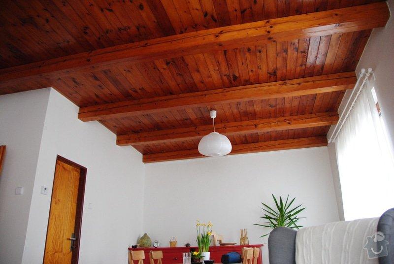 Přelakování lesklého dřevěného stropu na bílo: DSC_5182