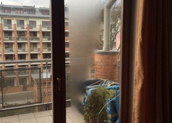 Zasklívání dveří balkónu
