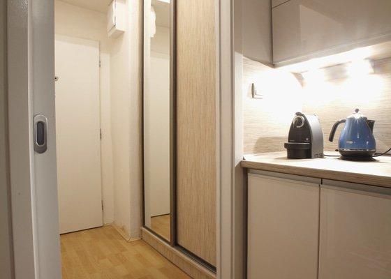 Vestavěná skříň do chodby v malém bytě