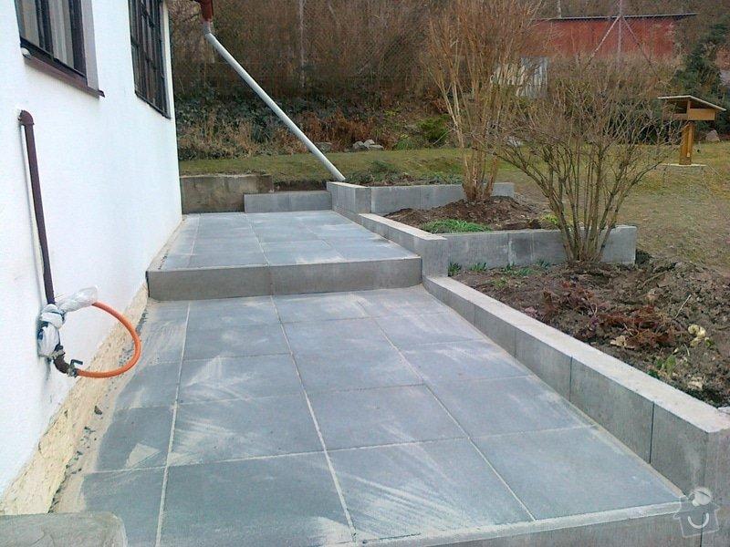 Rekonstrukce chodníku a zídek: 040320151166
