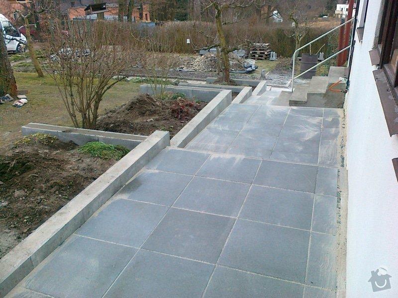 Rekonstrukce chodníku a zídek: 040320151167