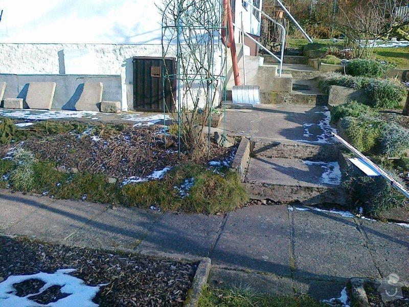 Rekonstrukce chodníku a zídek: 070220151087