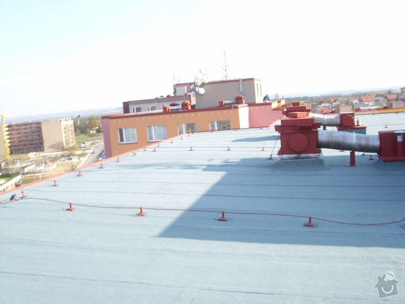 Hydroizolace plochých střech, balkonů, teras, opravy fasád, průmyslové syntetické podlahy: duben_2010