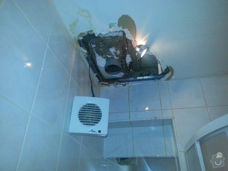 Oprava prostor a hotelových pokojů po havárii vody Mělník: koupelna_pokoj_103_protekly_strop