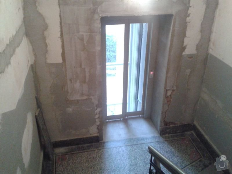 Zednické práce - rekonstrukce chodby v domě: 20150316_174935