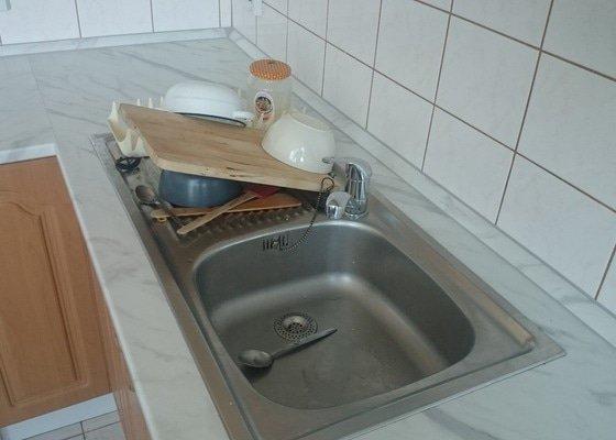 Vymena pracovni desky kuchynske linky