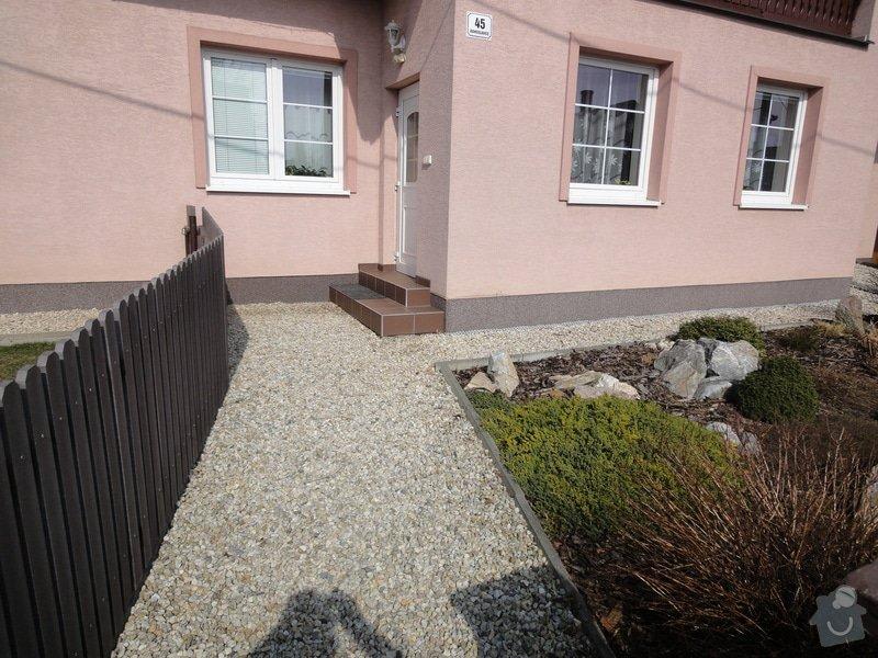 Pokládka zámkové dlažby okolo domu na klíč cca 90 m2 - dlažba vlastní: DSC05201