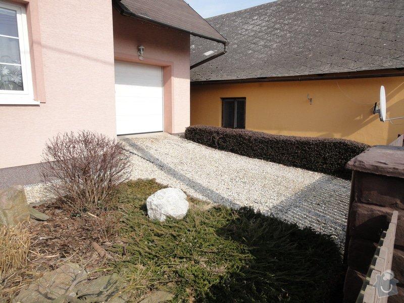 Pokládka zámkové dlažby okolo domu na klíč cca 90 m2 - dlažba vlastní: DSC05202