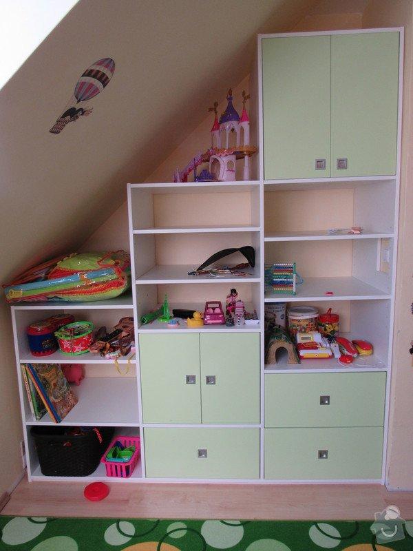 Úložné prostory v dětském pokoji: regal
