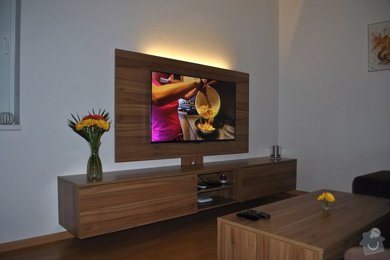 Televizní stěna + konferenční stolek: DSC_0022