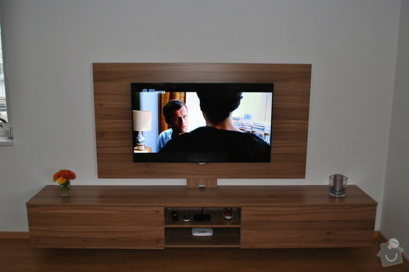 Televizní stěna + konferenční stolek: DSC_0100