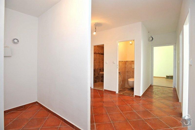 Rekonstruce bytu v panelovém domě: po_-_chodba
