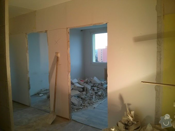 Rekonstruce bytu v panelovém domě: pres_-_chodba_pokoje