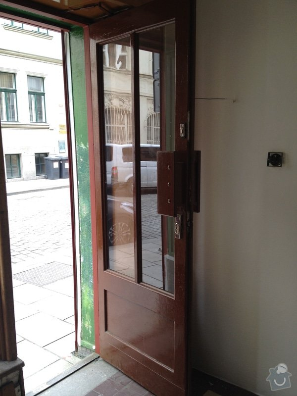 Lakování dveří: IMG_9117