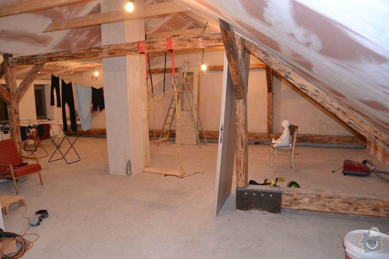 Dočištění,dobroušení a nátěr trámů v podkroví: DSC_0028