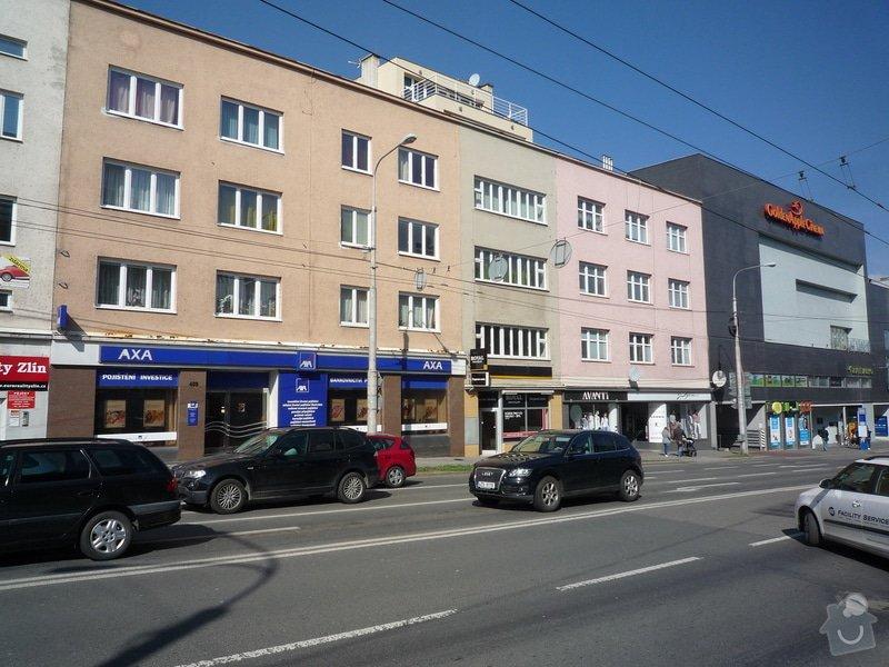 Nástavba 2 patra na bytový dúm ve Zlíně: P1130026
