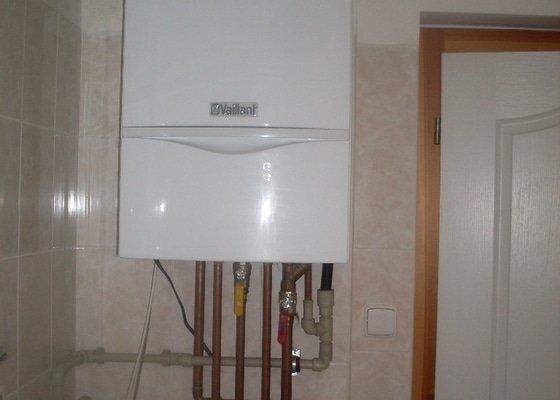 Realizace sprcch. kout,solární ohřev tuv, výměna stavajcího kotle plyn za kondenzační, realizace podlahového vytápění
