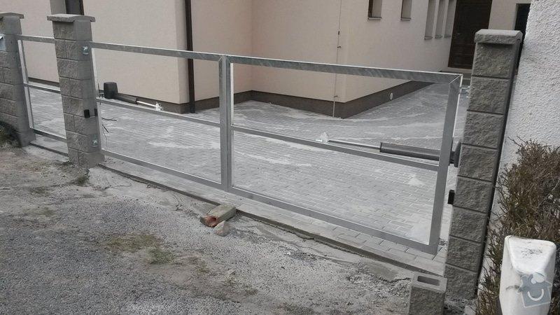 Dvoukřídlá brána, branka a plotová pole: 20150325_165734