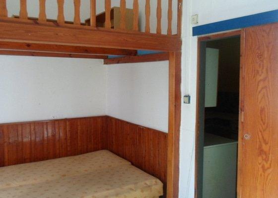 Odvoz starého nábytku včetně vybourání dělící příčky