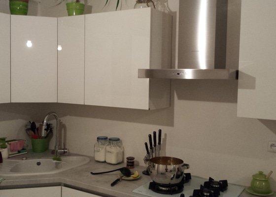Obložení kuchyňské linky kachlíky