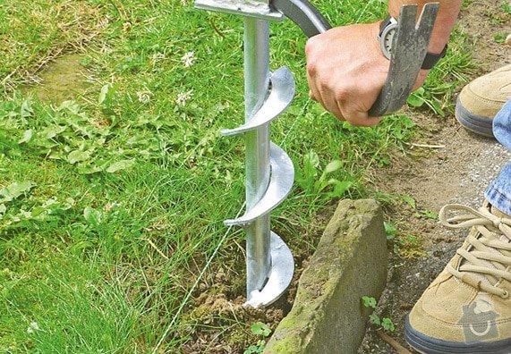 Montáž a dodávka nízkého dřevěného plotu s brankou: plot2