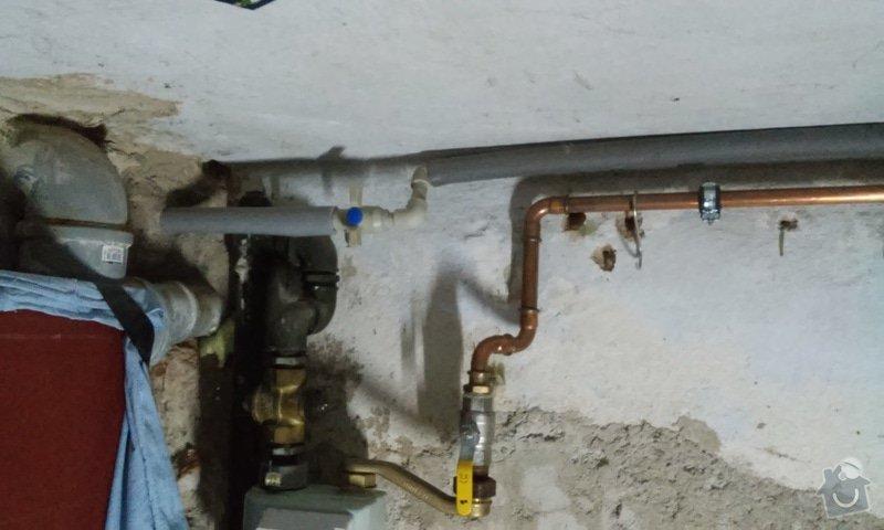 Instalatérské práce - propojení studny a zahradního kohoutu: uzaviraci_ventil_u_kouhoutu_na_zahradu