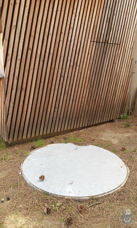 Instalatérské práce - propojení studny a zahradního kohoutu: studna_poklop
