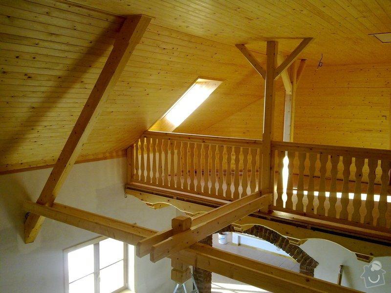 Střecha,arkýře,stropní trámy,dřevěný interier,schody: 25022011423